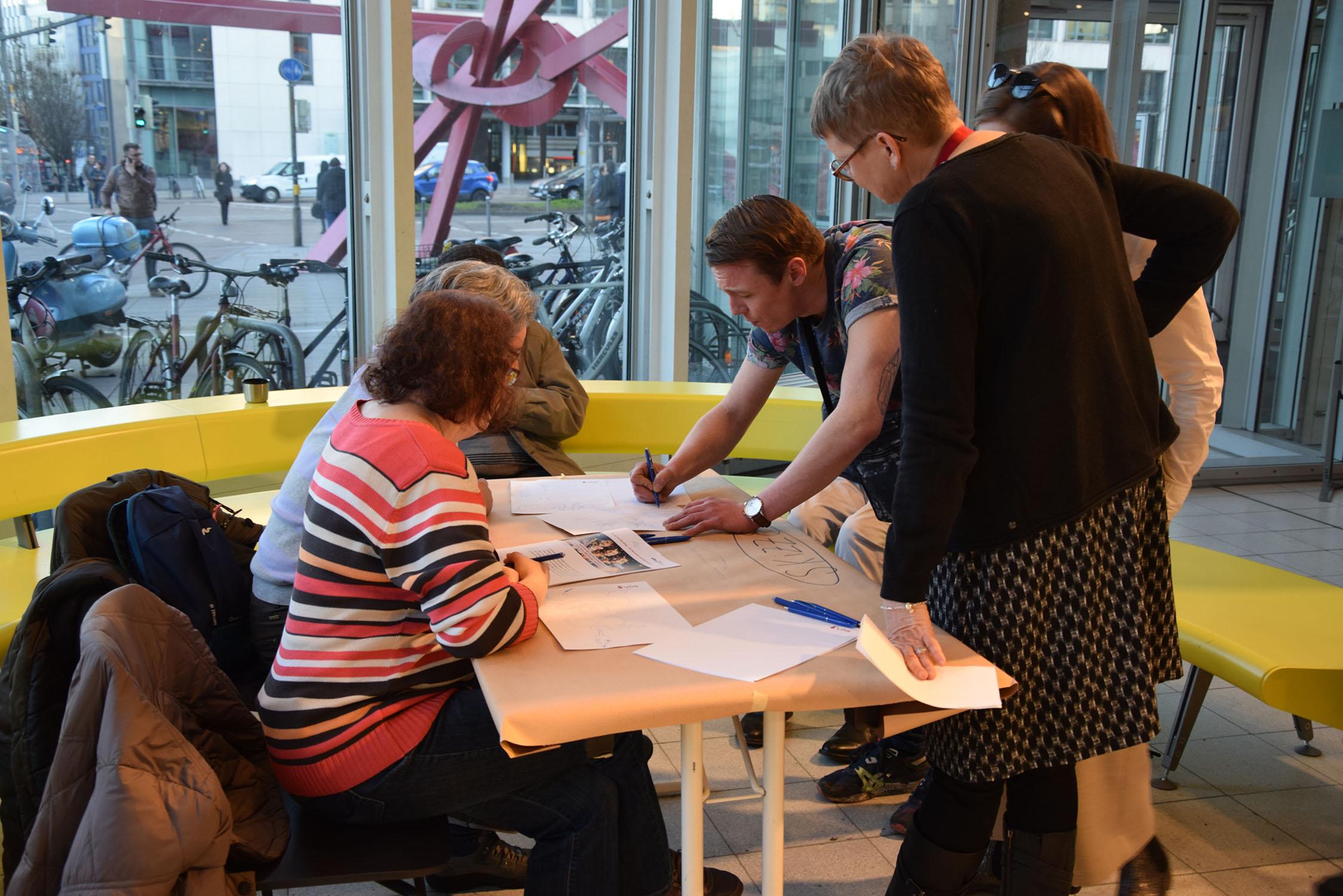 Teilnehmer Streetart Workshop
